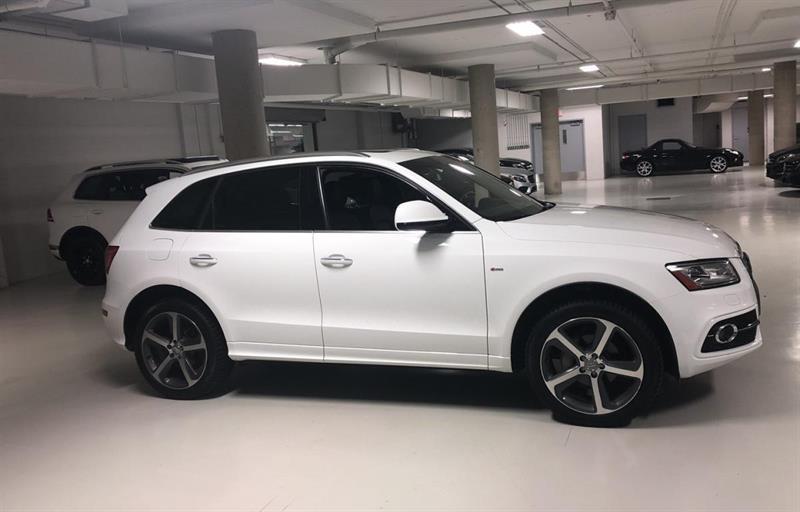 Audi Q5 2015 Quattro 2.0T Technik + S-LINE + BAS MILLAGE #V19103