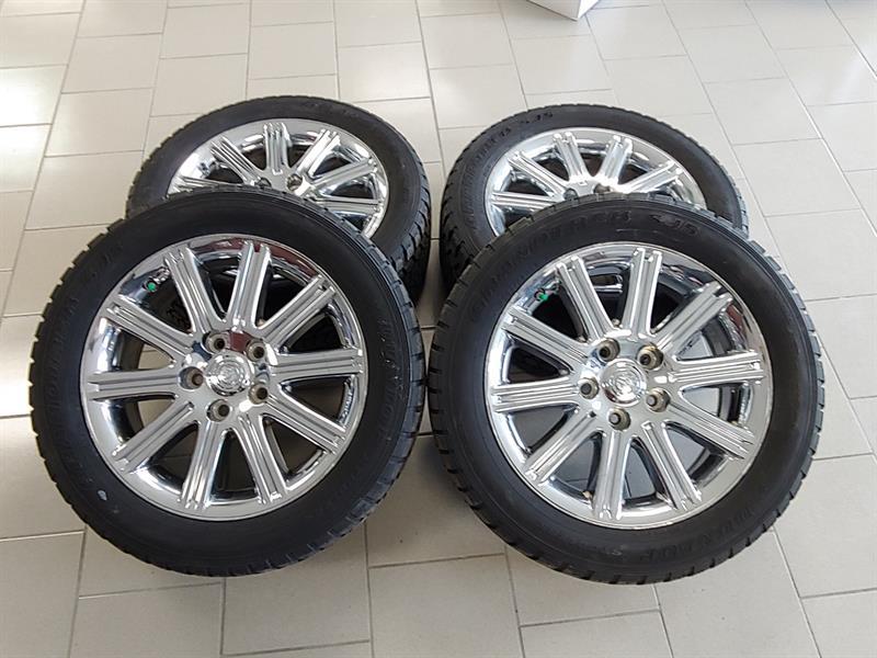 Chrysler Aspen 2007 KIT MAG ET PNEUS D'HIVER DUNLOP 265-50-20 SUR MAG  #KIT CHRYSLER ASPEN C