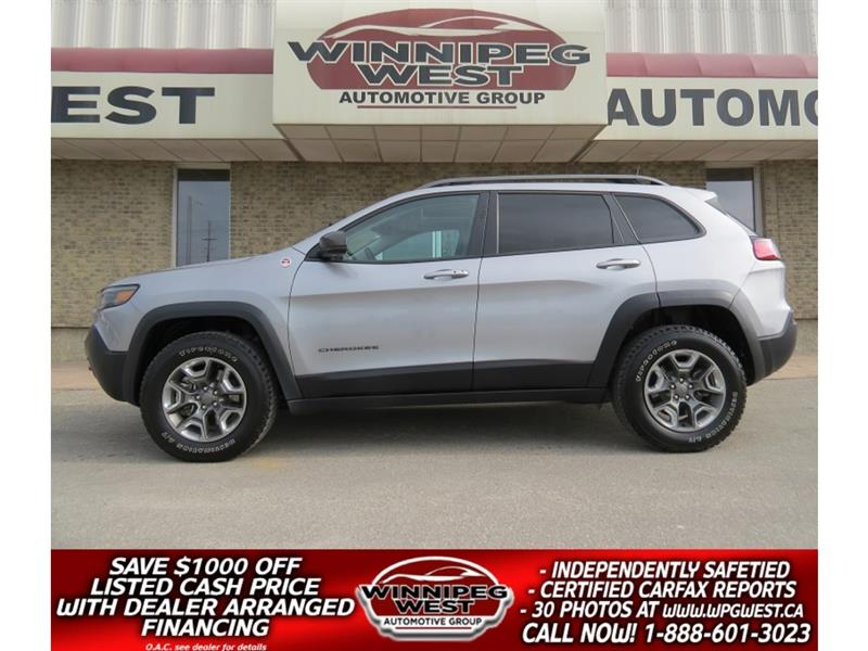 2019 Jeep Cherokee TRAILHAWK ELITE V6 4X4, LOADED, PAN ROOF, LEATHER! #GNW5164