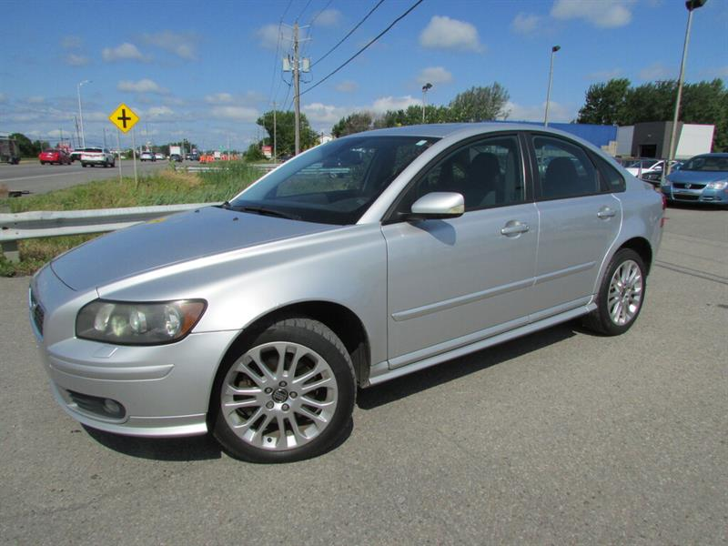 Volvo S40 2005 2.5L Turbo AWD TOIT OUVRANT!! #4698A
