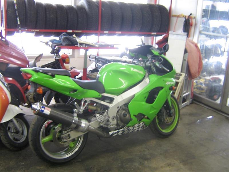 Kawasaki Ninja 1998 #11-020