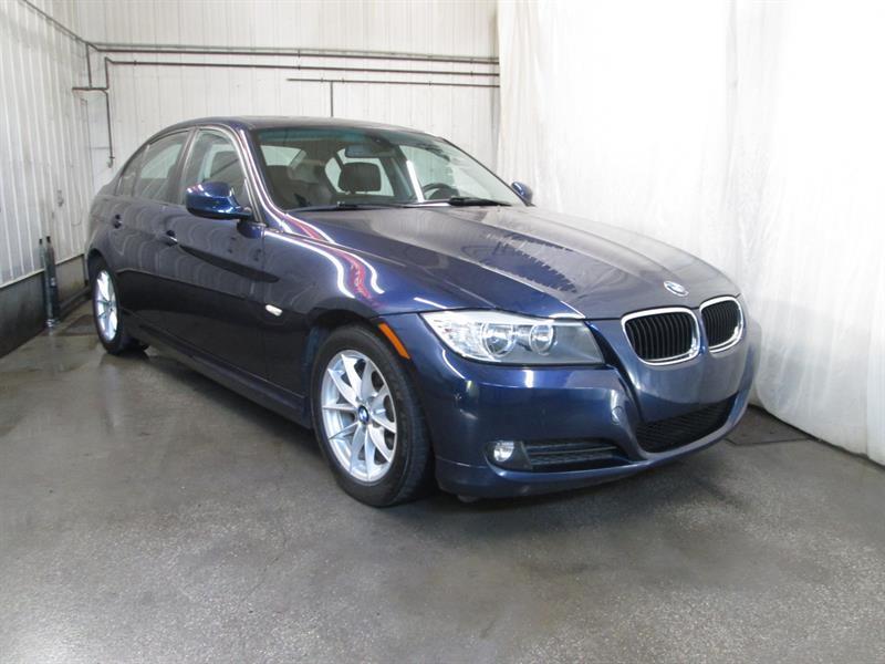 BMW 3 Series 2011 323i PREMIUM #9-0532