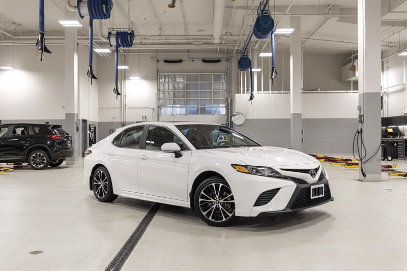 2018 Toyota Camry SE Upgrade Package #P6972T