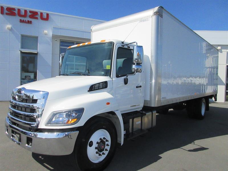 2019 Hino 338 26Ft Van & 3300 lb Tailgate #U7330