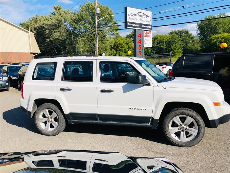 Jeep Patriot 2011 4WD-Blanc sur Noir-Mags-Cruise-Tres Propre #97160-2