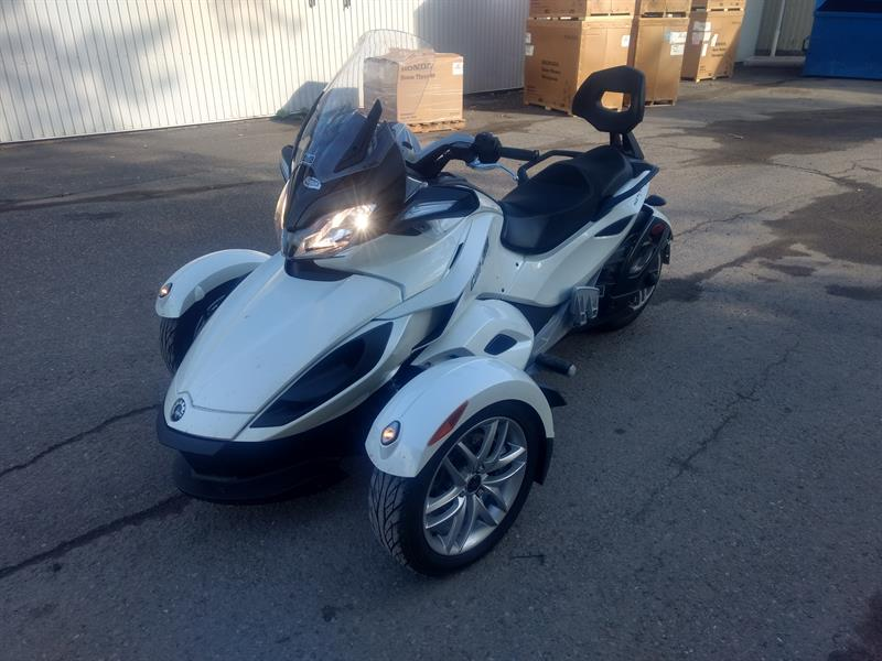 Can-am Spyder ST 2014