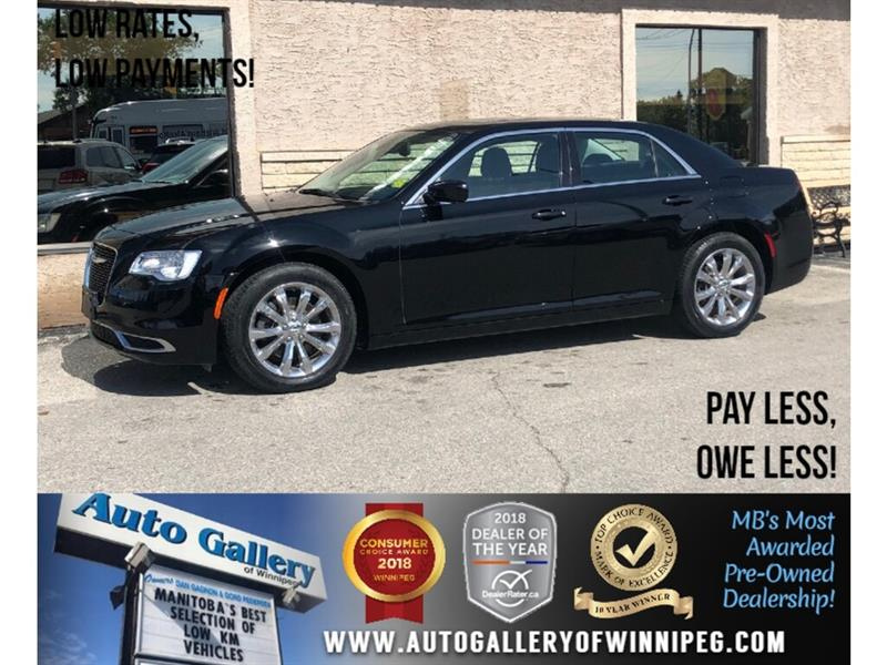 2017 Chrysler 300 Touring *AWD/B.tooth/Htd Sts/Pano Roof #24094