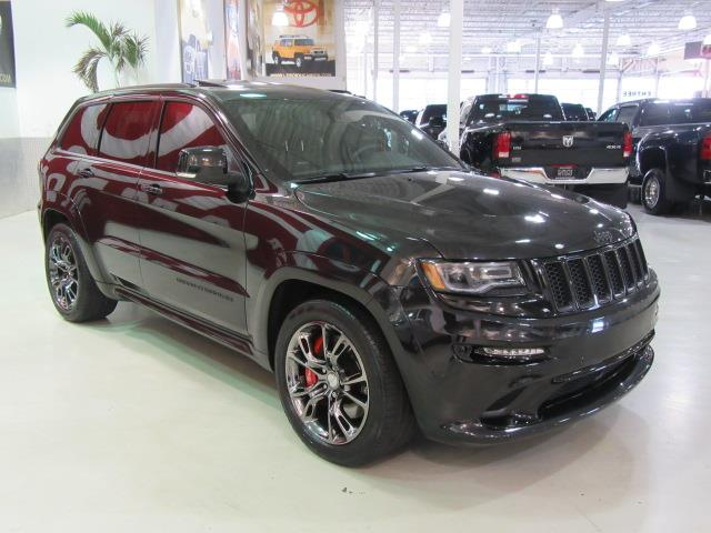jeep grand cherokee 4wd srt srt8 475hp acc 2015 occasion. Black Bedroom Furniture Sets. Home Design Ideas