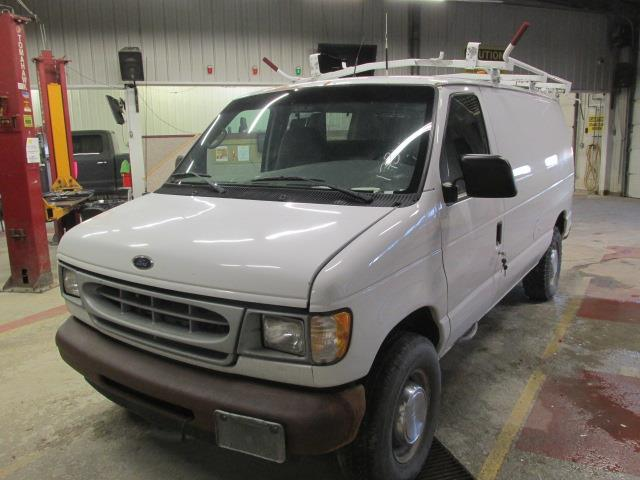 2002 Ford Econoline Cargo Van E-350 #1152-3-11