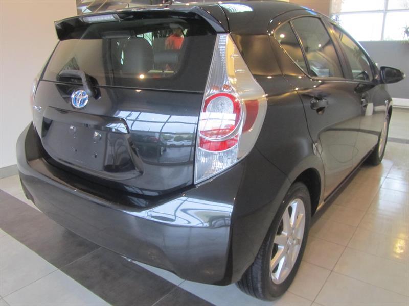 toyota Prius c 2014 - 9