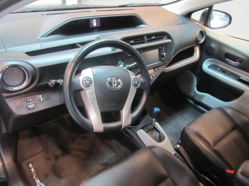 toyota Prius c 2014 - 4
