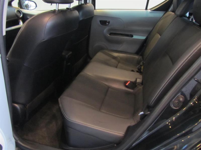 toyota Prius c 2014 - 15