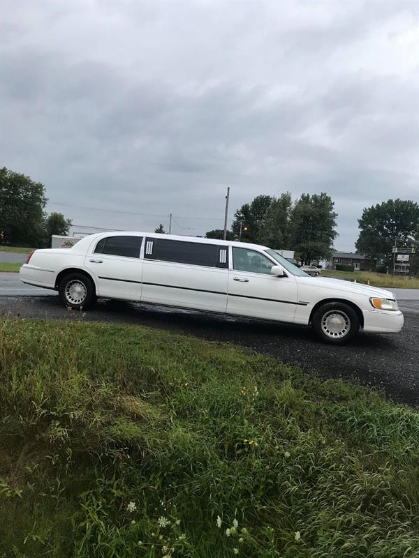 Lincoln Town Car 1998 Executive #71