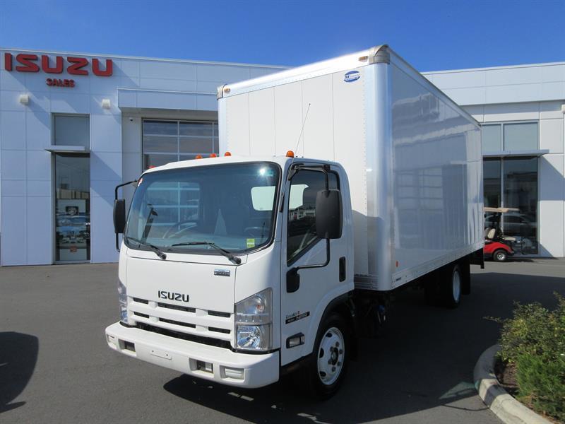 2014 Isuzu NRR 19,500 GVW 18' Van/Tommygate #U7309B