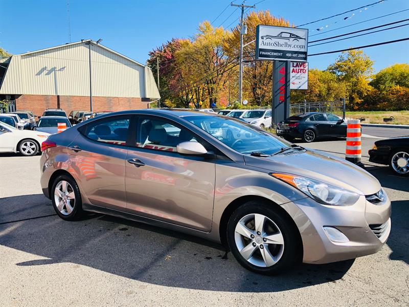 Hyundai Elantra 2012 Mags-Toit-Siéges Chauffant-Jamais Accidentée #98940-2