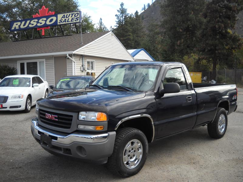 2006 GMC Sierra 1500 Classic 4X4 ONLY 165 KMS #3436
