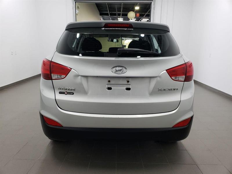 Hyundai Tucson FWD 4