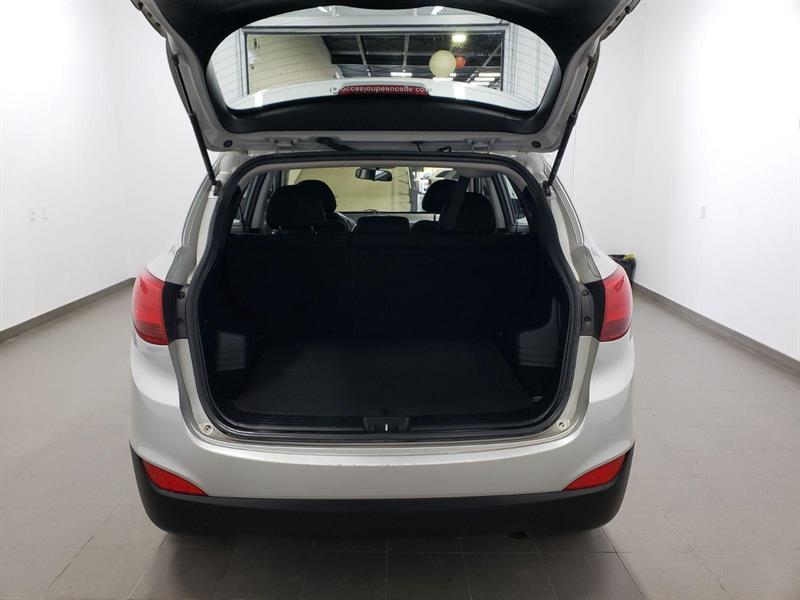 Hyundai Tucson FWD 5