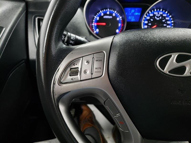 Hyundai Tucson FWD 7