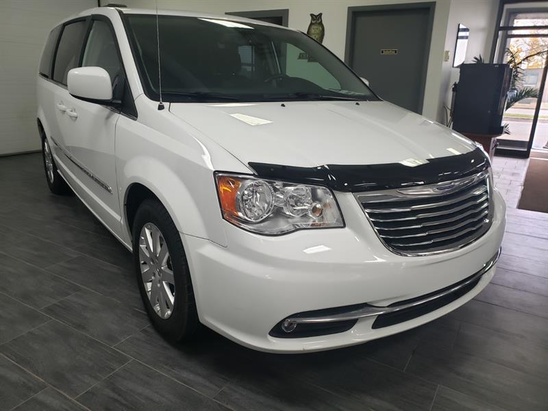 2016 Chrysler Town - Country Touring #GR307969