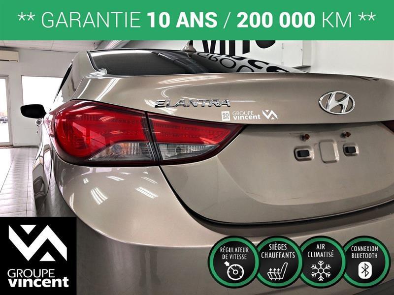 Hyundai Elantra Sedan 8