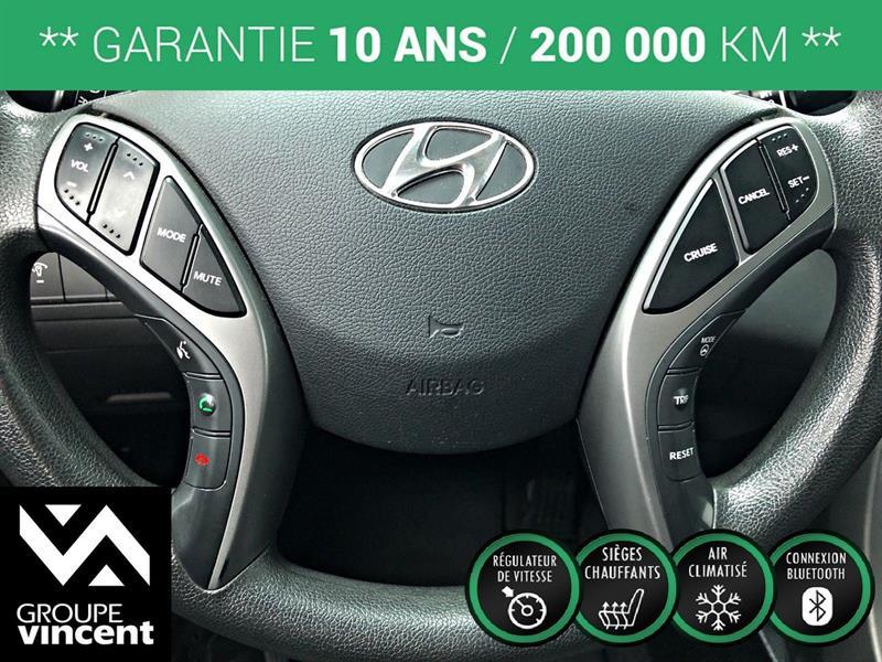 Hyundai Elantra Sedan 12