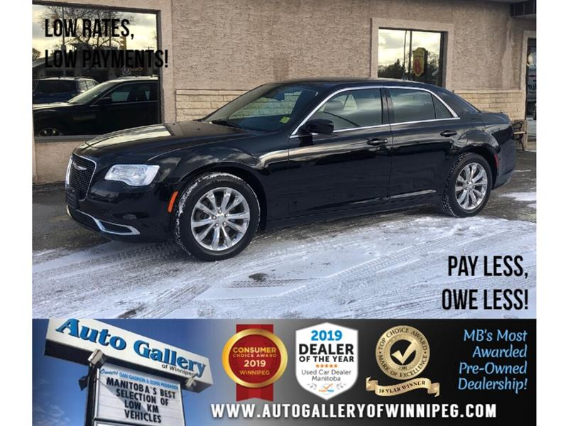 2017 Chrysler 300 Touring *AWD/B.tooth/Pano Roof #24094