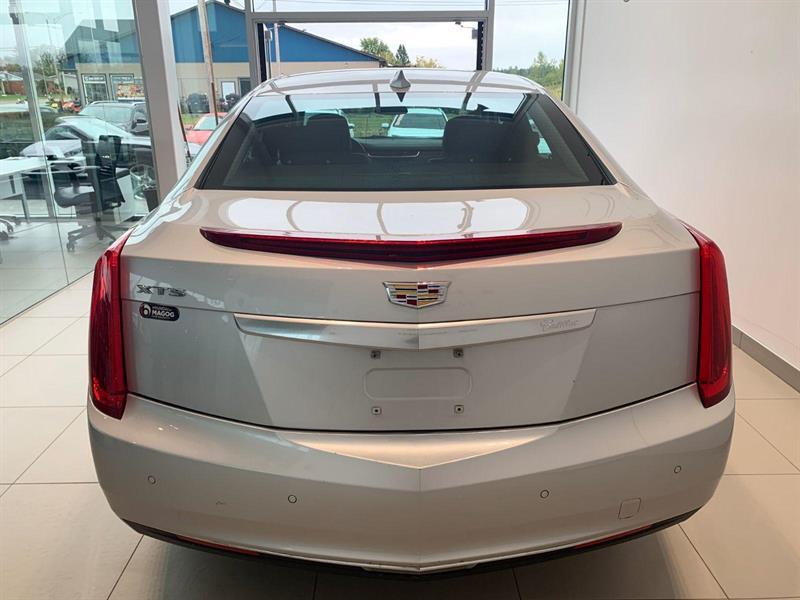 Cadillac XTS 5
