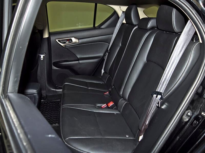 Lexus CT 29