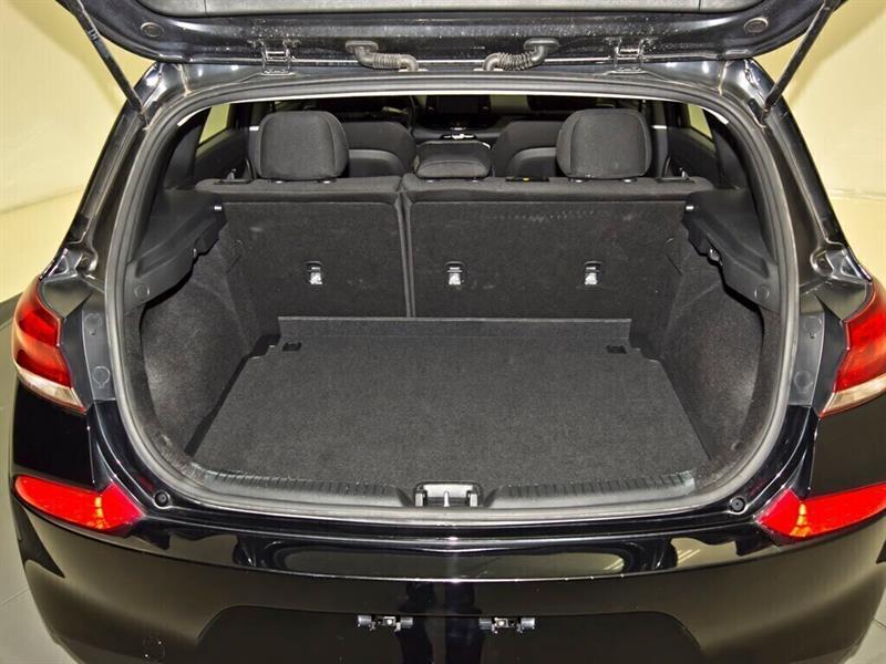 Hyundai Elantra 30