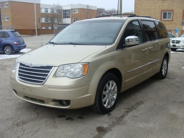 2010 Chrysler Town - Country TOURING EDITION #1824