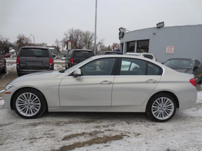 2015 BMW 3 Series 4dr Sdn 328i xDrive AWD - Nav/Sunroof/Premium Pkg #4277