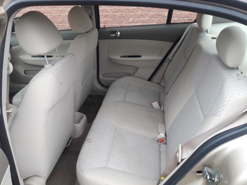 Chevrolet Cobalt 4