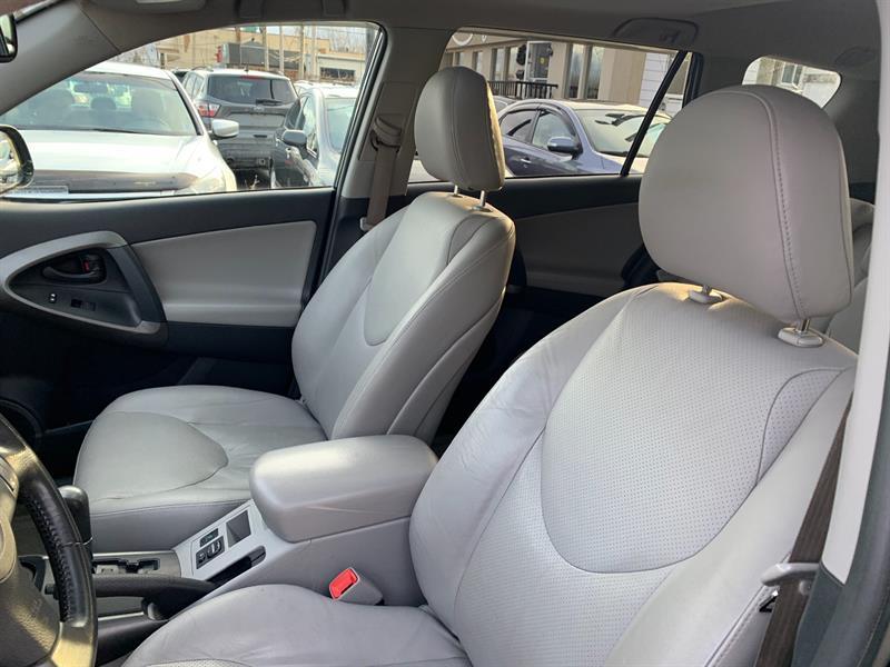 Toyota RAV4 4WD 12