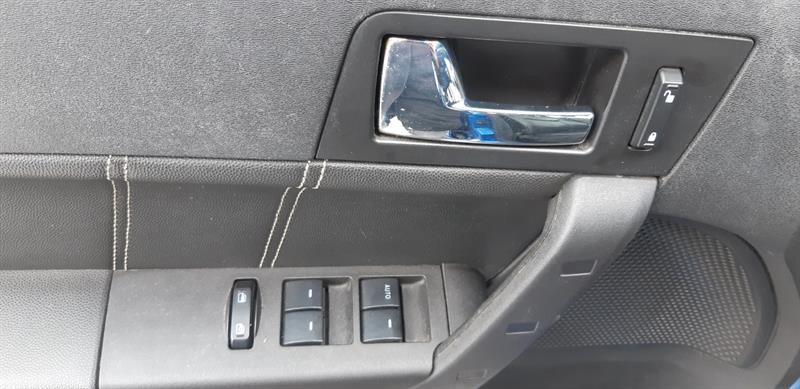 Ford Focus Sedan 8