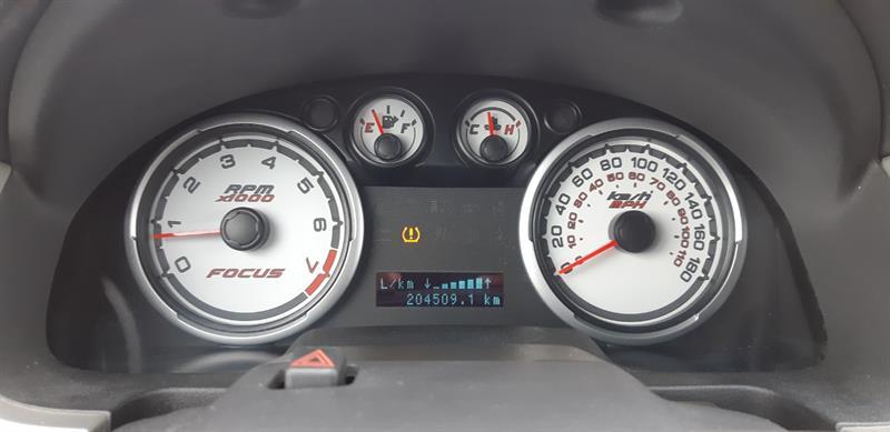 Ford Focus Sedan 14