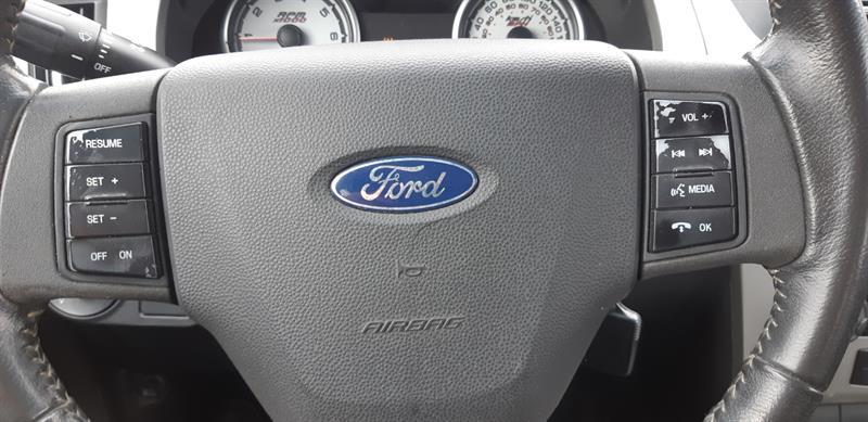 Ford Focus Sedan 15