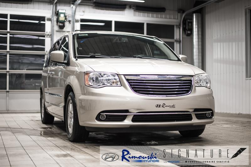 2012 Chrysler Town - Country