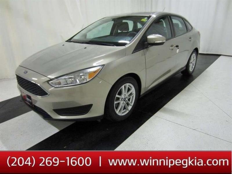 2015 Ford FOCUS SE #15FF03382