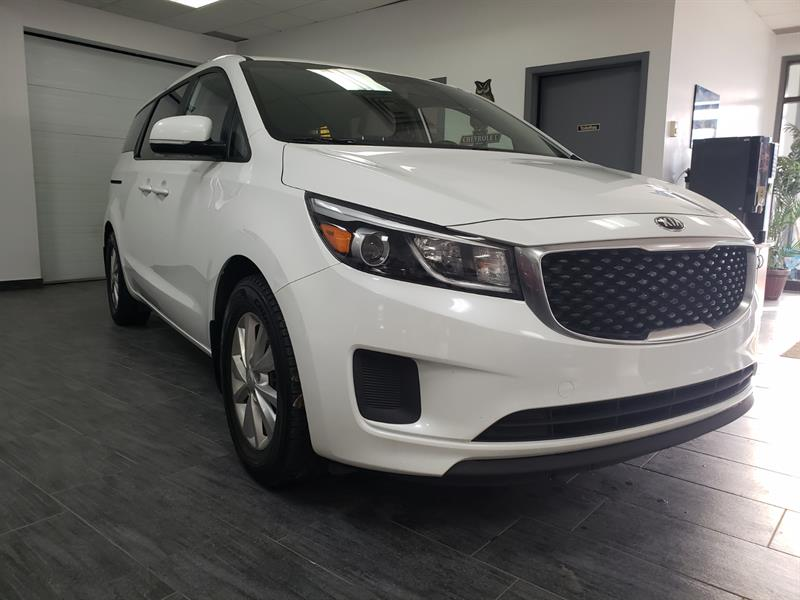 Kia Sedona 2018 LX camera 8 places #J6392658