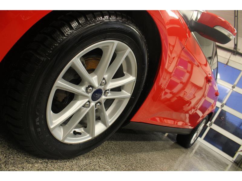 Ford Focus Hatchback 4