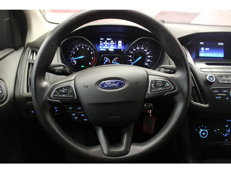 Ford Focus Hatchback 19