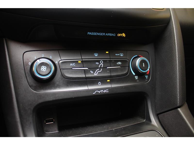 Ford Focus Hatchback 29