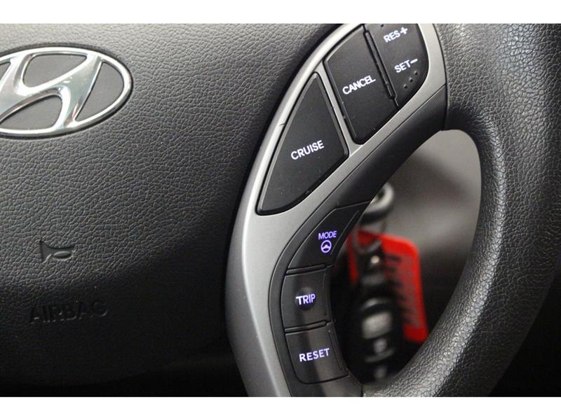 Hyundai Elantra Sedan 19