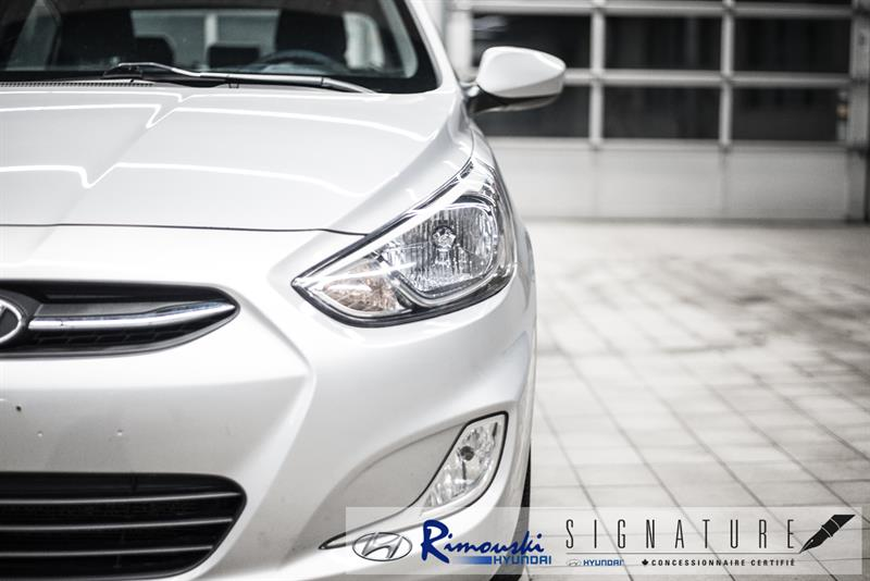 Hyundai Accent Sedan 4