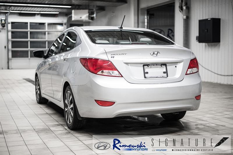 Hyundai Accent Sedan 8