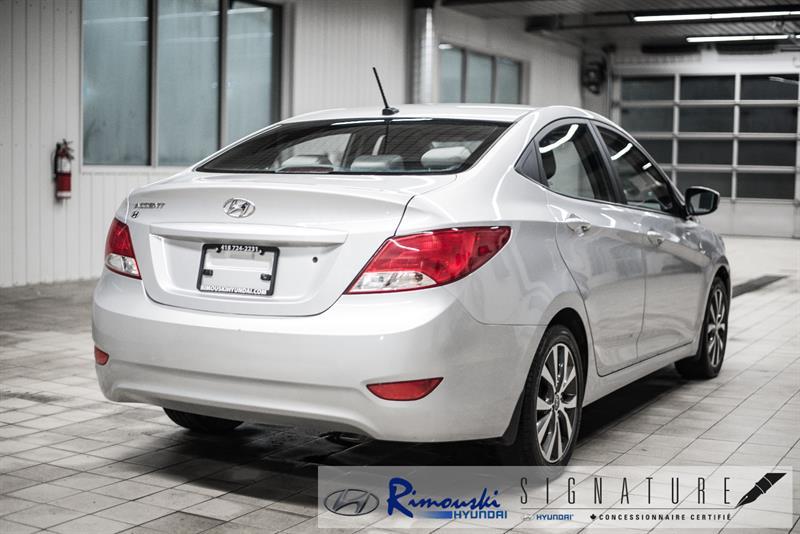 Hyundai Accent Sedan 10