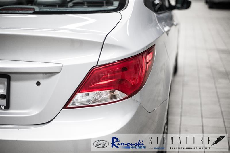Hyundai Accent Sedan 11