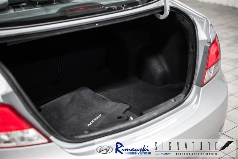 Hyundai Accent Sedan 29