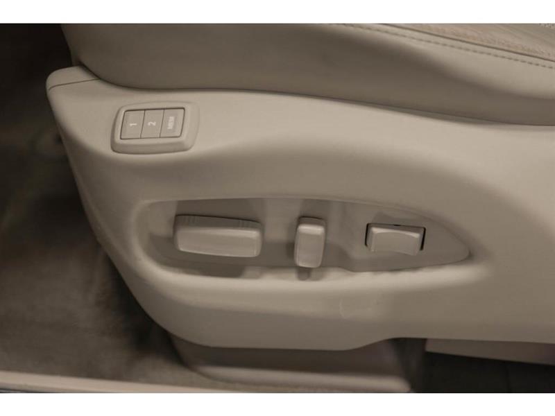 Cadillac SRX 15
